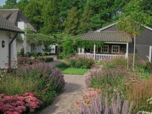 Tuin Laten Aanleggen : Tuin laten aanleggen door anne laansma mkb emmen